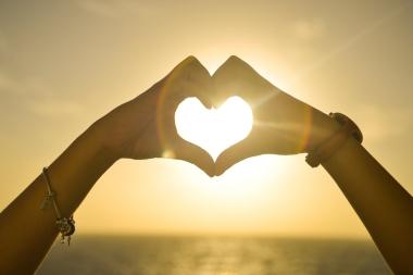 sunset-hands-love-woman-1